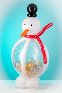 Sneeuwpop gevulde ballon