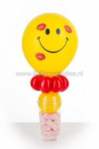 (06) Traktatiebeker Kusje Smiley