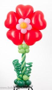 Hart-bloem centerpiece
